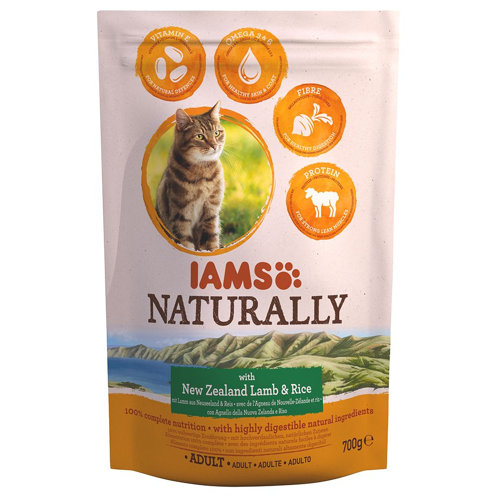 IAMS Naturally Cat Adult, jagnięcina - 700 g