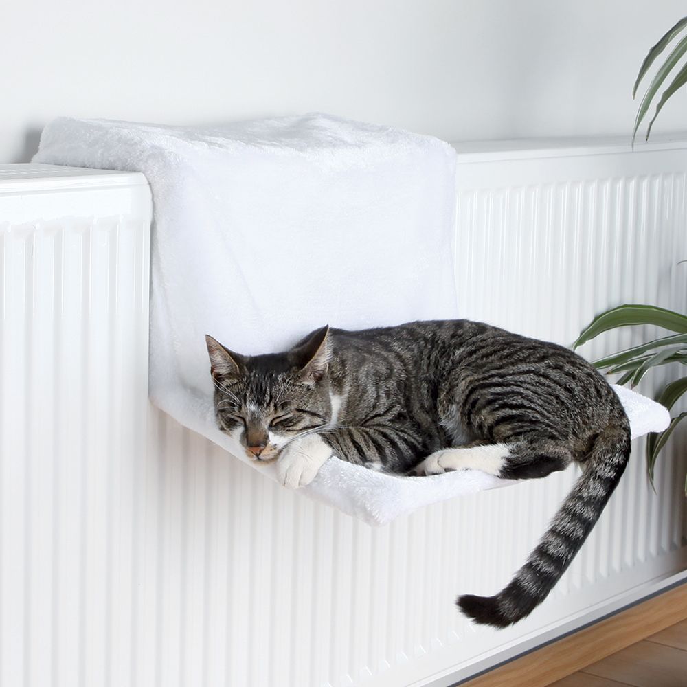 Trixie Deluxe Plush Radiator Bed - White - 45 x 31 x 24 cm (L x W x H)